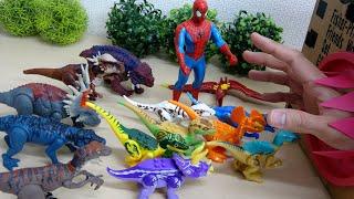 ジュラシックワールド 炎の王国 リアル恐竜おもちゃ 巨大な手が登場 スパイダーマン