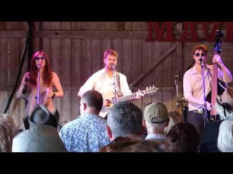 The Danberrys  - Stealin -   Live @ Maverick Festival UK 2017