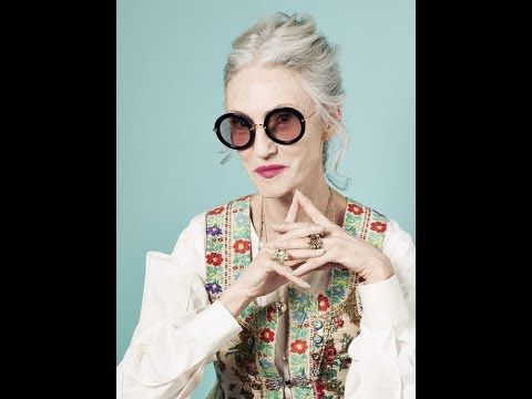 Women Over 50 Look's Collection. The Chic and Stylish Outfits of Unbelievable Linda Rodin