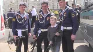 Гуляния в Москве после парада 9 мая 2015