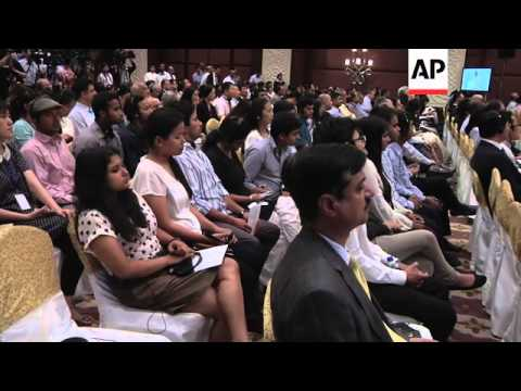 Chinese premier Li gives speech after talks with Indian president