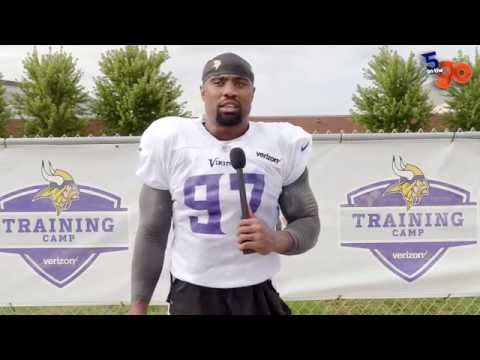 Everson Griffen talks about UFOs, The Hulk, FOOD, Music and More (5 on the go)
