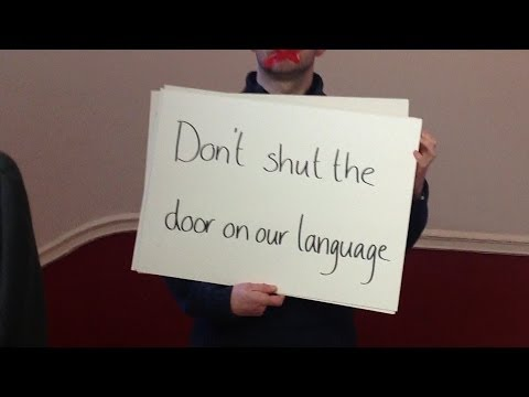 Don't shut the door on our Language/ Ná dún an doras ar ár dTeanga