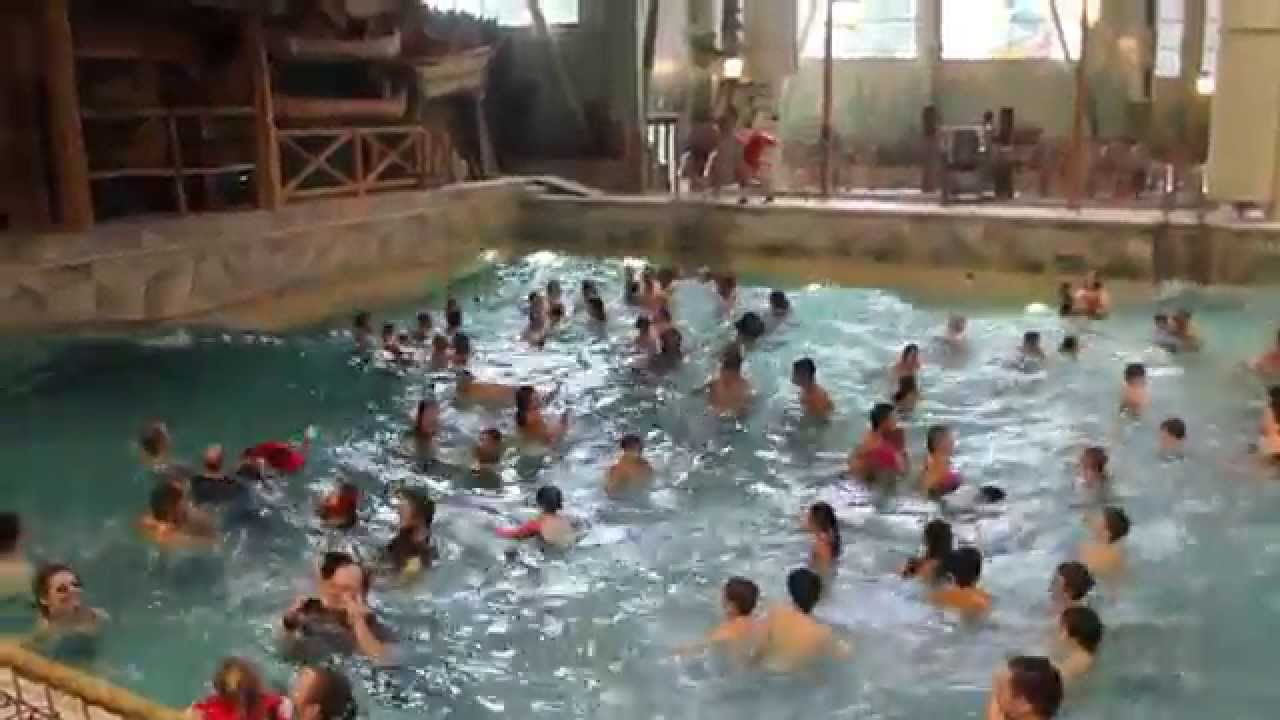 wave pool great wolf lodge in wa youtube. Black Bedroom Furniture Sets. Home Design Ideas
