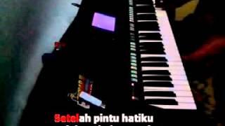 Download lagu Secawan Madu Karaoke Yamaha PSR S750 MP3