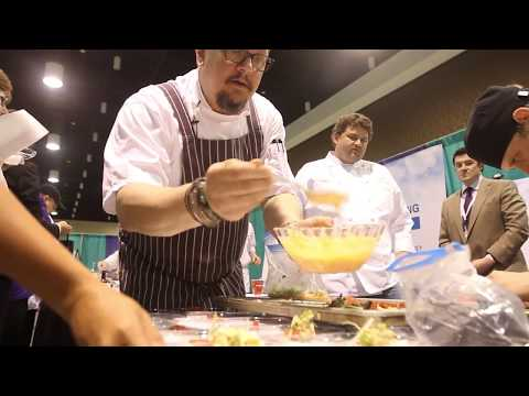 Chef Tom Ramsey cooks fried oysters at Southern Gaming Summmit