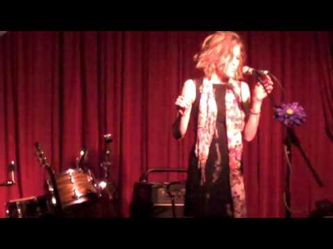 THE NEXT NORAH JONES! UNBELIEVABLE FEMALE VOCALIST...