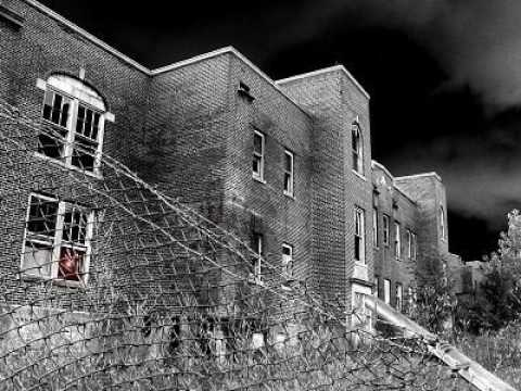 History Goes Bump Podcast, Ep. 88 - Homestead Sanatorium