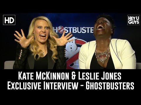 Kate McKinnon & Leslie Jones on Ghostbusters & Twitter Trolls - Exclusive Interview