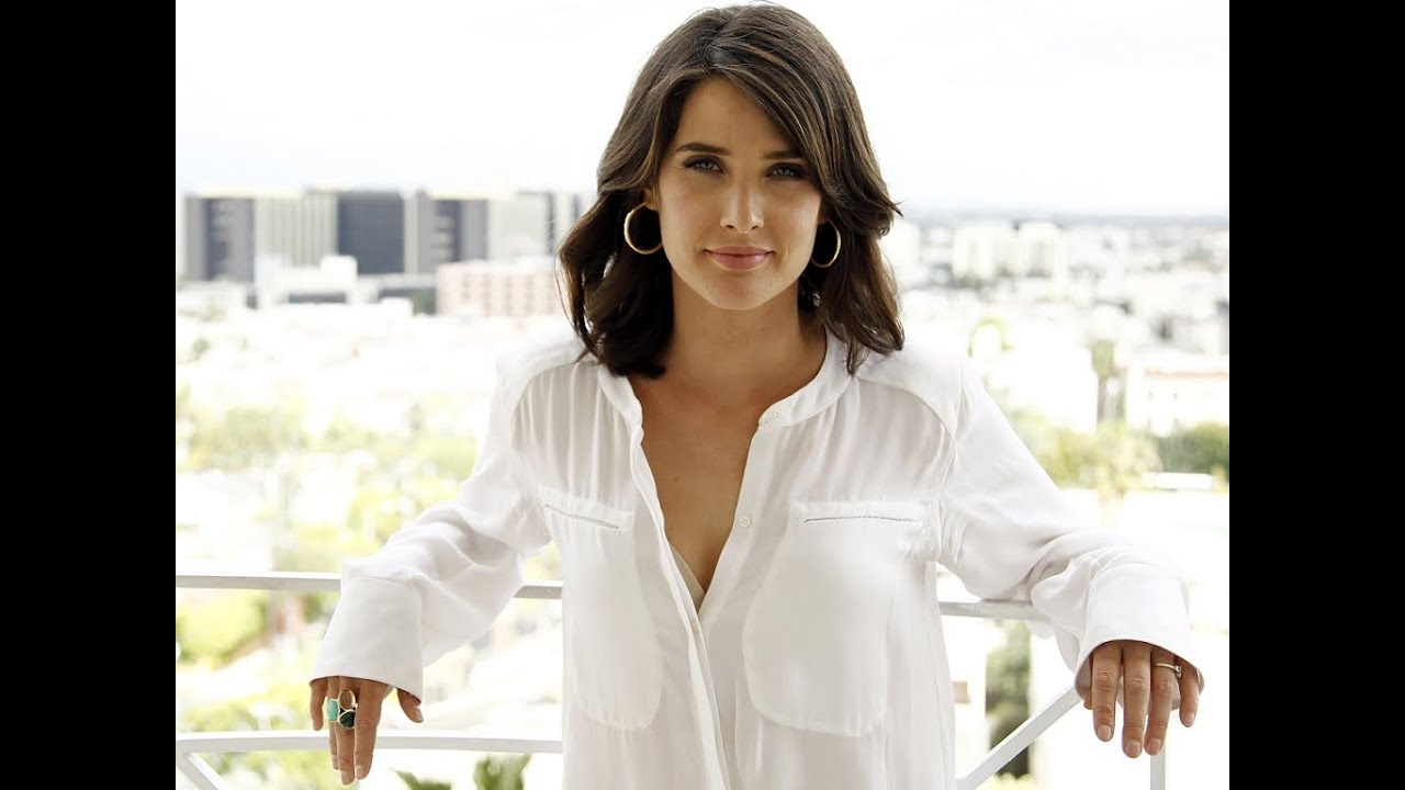 woman Cobie smulders wonder