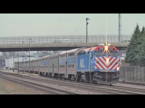 Metra UP-W Line at West Chicago 2016.3