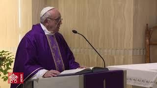 Papa: para superar nuestros desiertos, mirar a Cristo crucificado thumbnail