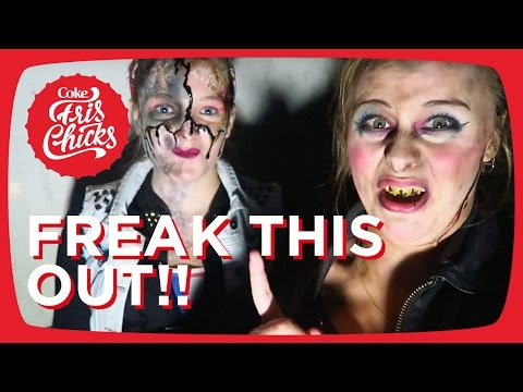 #05 Scare acting tijdens Walibi Fright Nights - FrisChicks