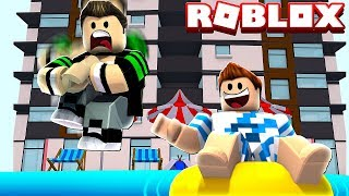 HOLIDAY IN A VERY COOL HOTEL IN ROBLOX!!