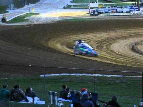 Dave Darland wins Heat Race at Lincoln Park Speedway