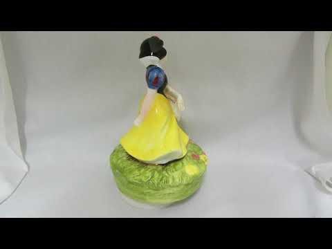 Schmid Disney Snow White & Bashful music box