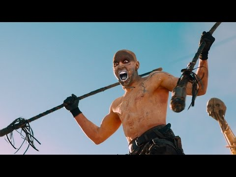 Экшн погоня за фурой — «Безумный Макс: Дорога ярости» (2015) сцена 3/10 HD