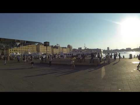 Le Vieux-Port Marseille 10 h du matin avant le départ pour l'ile du Frioul
