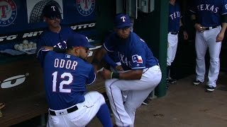 5/25/16: Rangers tally 15 runs in big win over Angels