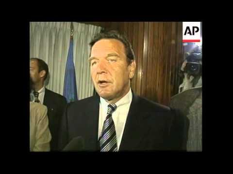 USA: GERMAN SDP LEADER GERHARD SCHROEDER PRESS CONFERENCE
