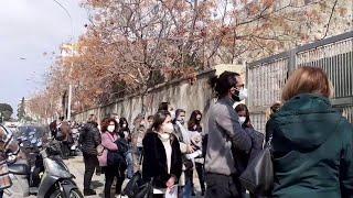 Palermo, nuovo blackout al centro vaccini della Fiera: centinaia di prof in fila