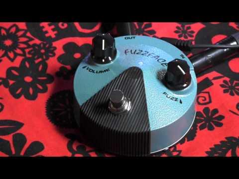 Dunlop Jimi Hendrix MINI FUZZFACE guitar pedal demo with Kingbee Strat