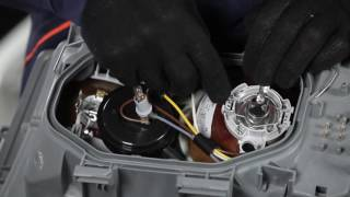 Montering Frontlys LED og Xenon MERCEDES-BENZ 190: videoopplæring