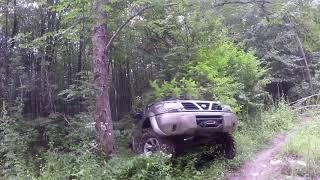 Лайфхак как не стоит ездить в лесу на Nissan Patrol и Toyota Hilux