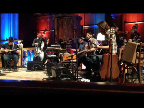Band of Horses - Heartbreak On The 101 acoustic performance at Cathedral Sanctuary