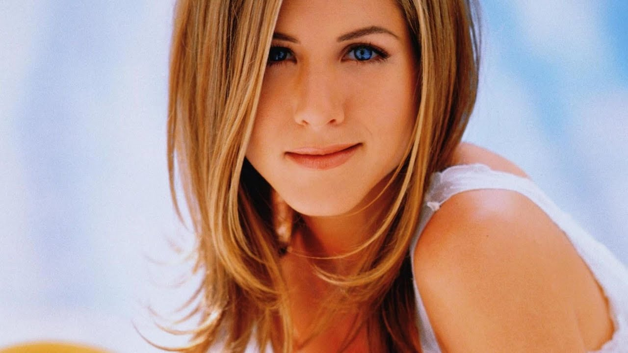 Jennifer Aniston In Harpers Bazaar Us Youtube
