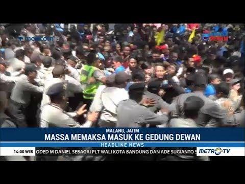 Ricuh ! Aksi Demo Kecam Korupsi Massal Anggota DPRD Kota Malang