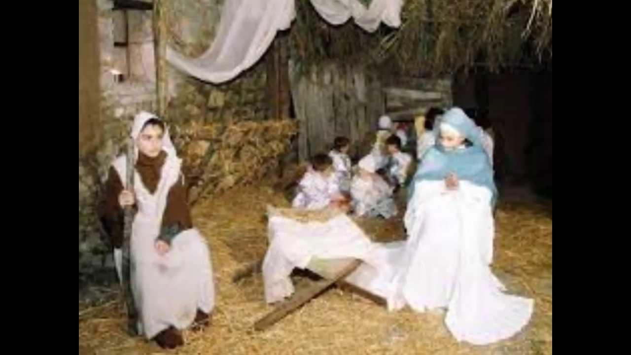 Vedo Le Luci Di Tutte Le Vetrine.Anche Quest Anno E Gia Natale