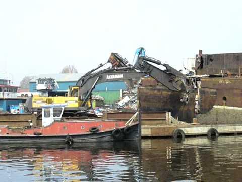 Ship demolition with Labounty scrap shear