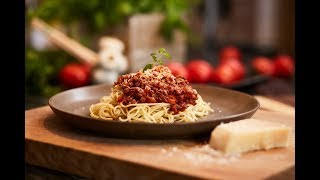 Spaghetti w sosie bolognese | PASCAL W DOMU! | Sprawdź odc. 53!