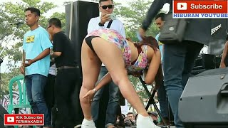 Download Video tante dhea zautha nungging MP3 3GP MP4