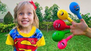 Настя играет с шариками и учит цвета под песенку Daddy finger Nursery Rhymes
