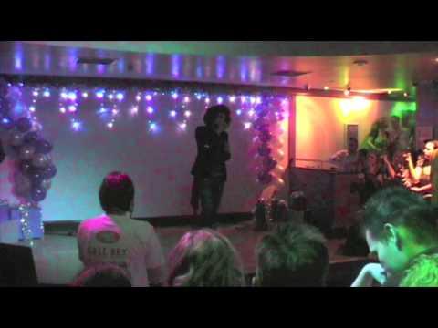 Jamie 'Afro' Archer @ Chicago Rock Cafe Windsor 2 Of 3