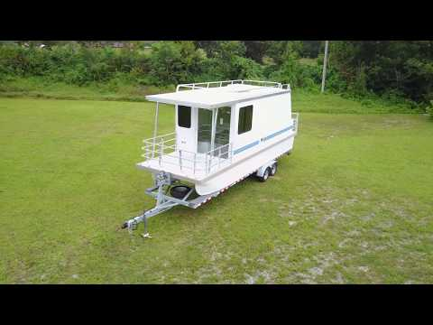 Lil' Hobo Trailerable Houseboat
