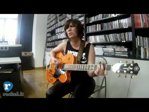 "Nicole Atkins - ""Crying"" Live@Rockol"