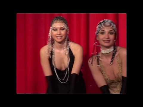 Spectacle Revue Parisienne Music Hall Cabaret Traditionel, Show Par Régina Rébecca Et Loïc Ney