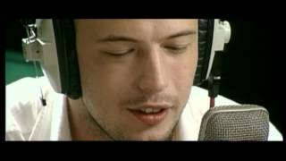 Gorki featuring Flip Kowlier - Mia [live]