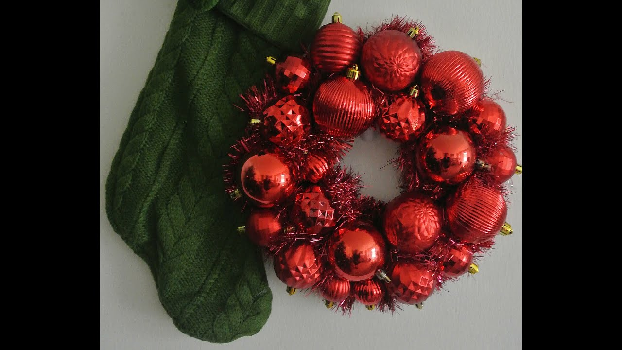 Easy and inexpensive diy bauble wreath youtube easy and inexpensive diy bauble wreath solutioingenieria Images