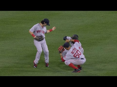 Red Sox outfielders emulate Michael Jackson