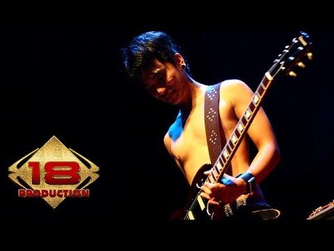 Ungu - Jika Itu Memang Terbaik (Live Konser Bontang Kaltim 12 Juli 2006)