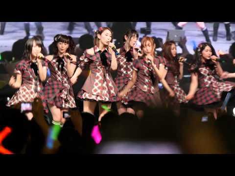 AKB48 - Gingham Check (Tokyo Auto Salon Singapore 2013) 13 Apr 2013