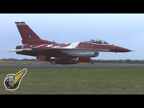 Singaporean F-16 Fighter Jets Over Australia