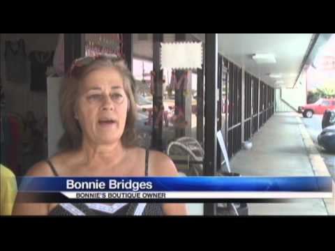 Bonnie's Boutique Robbers Made Mad Dash With Cash