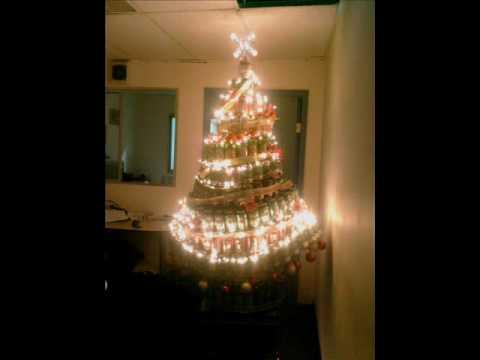 Arbol de navidad ecologico con latas youtube - Arbol de navidad blanco decorado ...