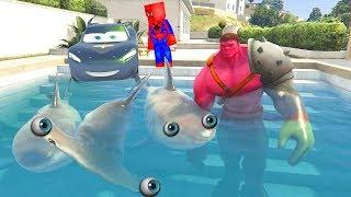 Minecraft Örümcek ve Kara Şimşek Balinalar ile Köpek Balıklarına Yardım Eden Hulk'u Trolledi (Gta 5)