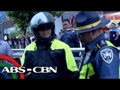 TV Patrol: Pulis, pekeng HPG timbog sa pag-'escort' ng mga dayuhan sa casino